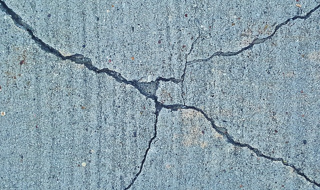 cracks-1287495_640